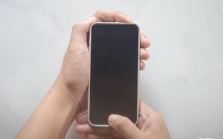 Як полагодити iPod Touch, якщо він не включається