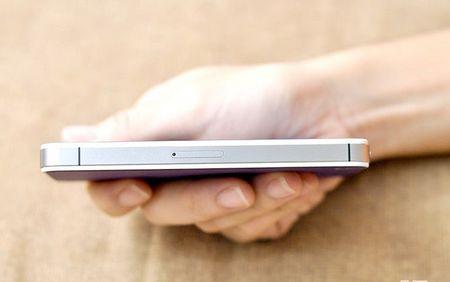 Як вставити SIM карту в iPhone 4