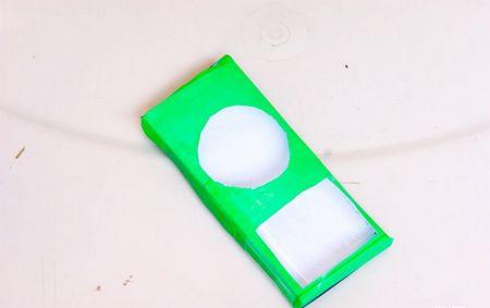 Як зробити з клейкої стрічки чохол для iPod Nano